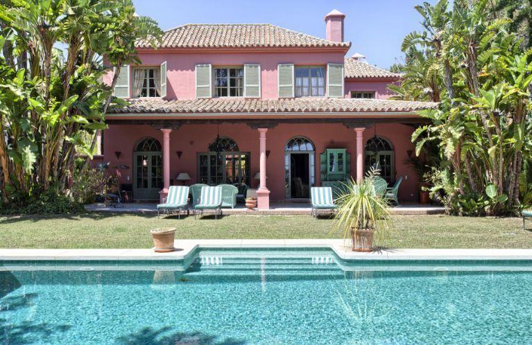 Marbella residential areas: Hacienda las Chapas