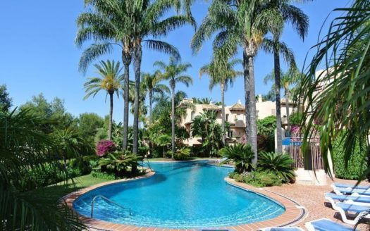 ARFA1309 - Möblierte Wohnung zu verkaufen in der Sierra Blanca in Marbella