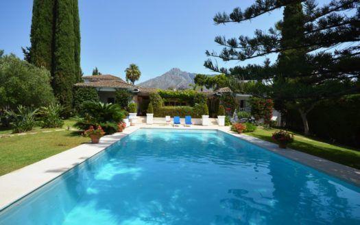 ARFV2041 - Traumhafte Villa zum Verkauf in der Goldenen Meile in Marbella