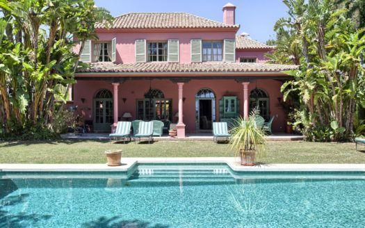ARFV1673-323 - Klassische Villa zu verkaufen in Hacienda Las Chapas in Marbella