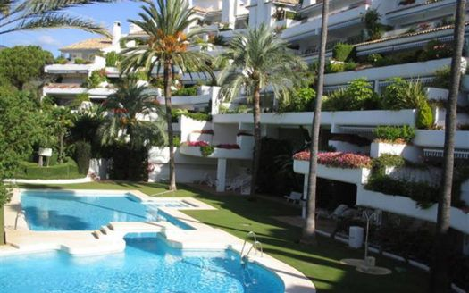 ARFA1085 - Duplex Wohnung zum Verkauf in Rio Real in Marbella