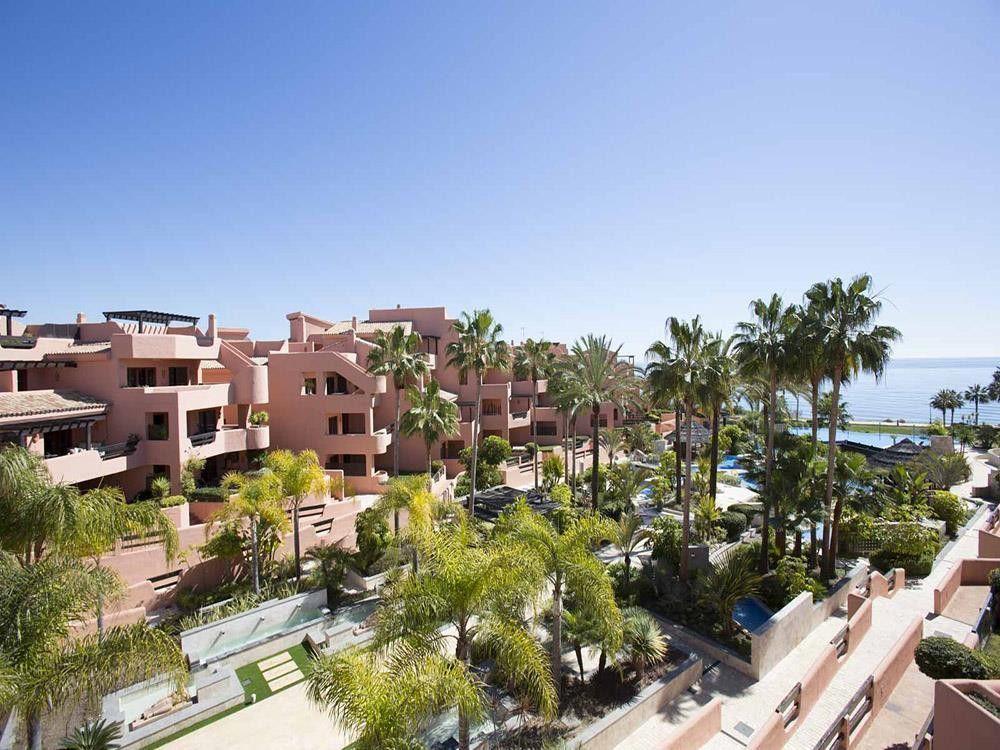 ARFA1077 - Wohnungen zum Verkauf in Strandlage in Estepona