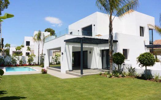 ARFV1630 - Moderne Villen zu verkaufen in El Paraiso Barronal in Estepona