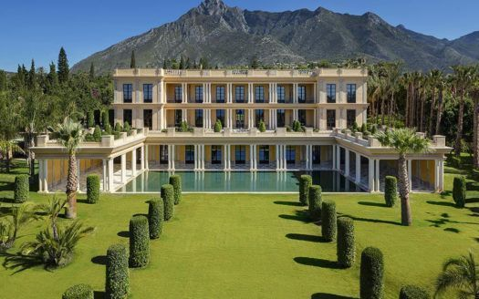 ARFV1713 - Palastartige Villa zum Verkauf in Nagueles in Marbella