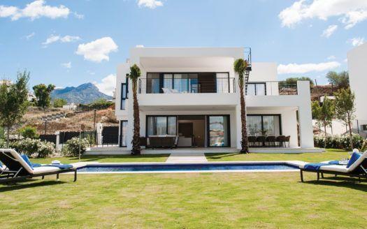 ARFV2062 - Zeitgenössische Villen zu verkaufen in Nueva Andalucia in Marbella