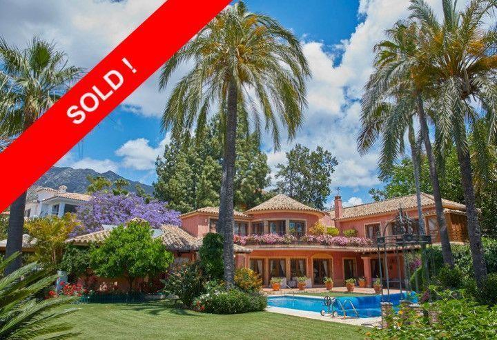 ARFV1882 - Elegante Villa zum Verkauf in Nagueles in Marbella