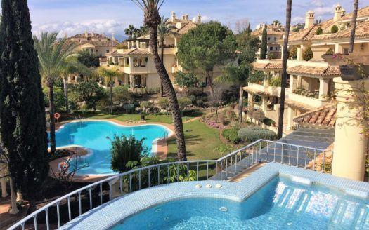 ARFA1300 - Duplex-Penthouse zum Verkauf in Nueva Andalucia
