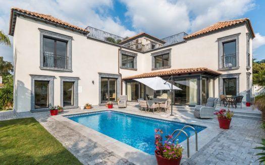 ARFV2034 - Elegante Villa in Nueva Andalucia in Marbella zum Verkauf