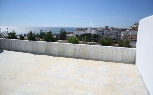 ARFA720 - Apartments und Penthäuser zu verkaufen in Playas del Duque in Puerto Banus in absoluter Toplage in exklusiver Luxusresidenz mit erstklassigem Meer- und Parkblick