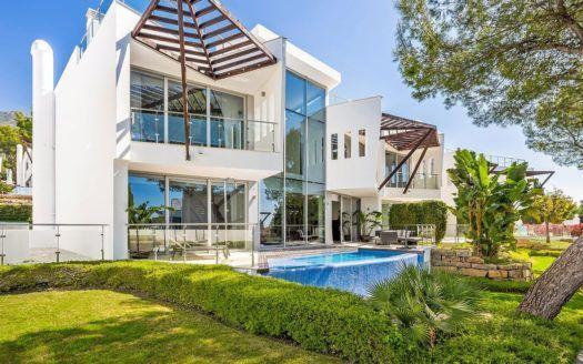 ARFTH069 - Exklusive Stadthäuser zum Verkauf in Sierra Blanca in Marbella in Toplage mit Meerblick