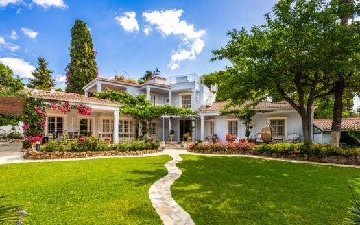 STOP - Stadt Villa auf der Goldenen Meile von Marbella zu verkaufen