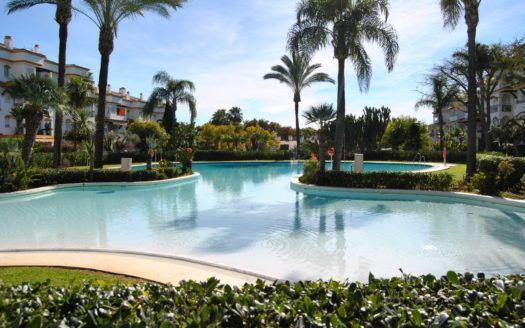 ARFA1374 - Schönes Duplex Penthouse strandnah in Nagüeles an der Goldenen Meile von Marbella
