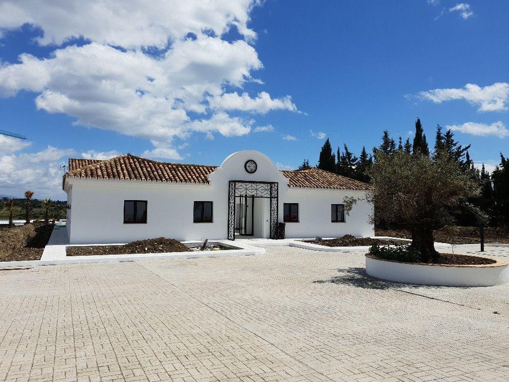 ARFV2093 - Villa zum Verkauf in Cancelada in Estepona