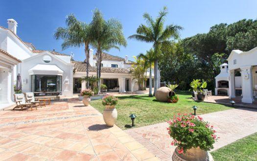 ARFV1974-122 - Einzigartiges Anwesen komplett ausgestattet zu verkaufen in Guadalmina Baja in San Pedro de Alcantara