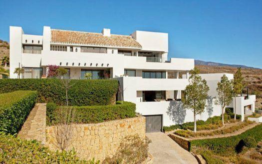 ARFA1274 - Attraktive Erdgeschosswohnung in Los Flamingos in Estepona zum Verkauf