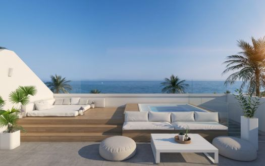 ARFV2051-245 - Beachfront Villa for sale in El Saladillo in Estepona