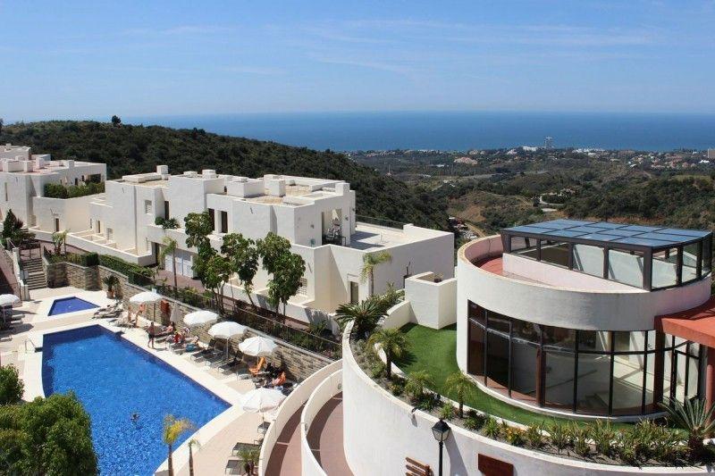 ARFA1383 - Schöne Wohnung mit Meerblick  in Altos de Los Monteros in Marbella zu verkaufen