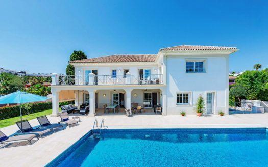 ARFV2140 - Prachtvolle Villa in Strandlage an der Goldenen Meile in Marbella