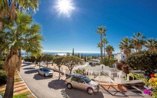 ARFA1363 - Elegante Wohnung im Marbella Hill Club zu verkaufen an der Goldenen Meile von Marbella
