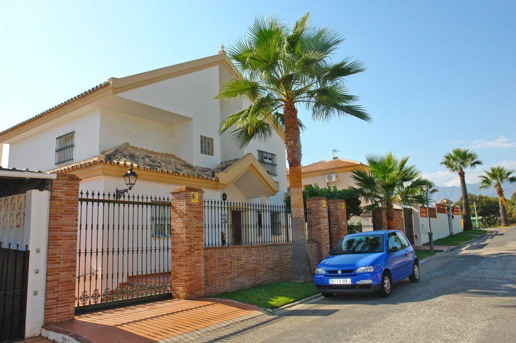 ARFV1900 -  Schöne Villa  zum Verkauf in gepflegter Strandurbanisation in Las Chapas in Marbella