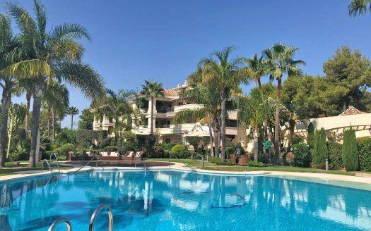 ARFA A1402 - Luxuswohnung zum Verkauf in Monte Castillo in Alto Reales in Marbella
