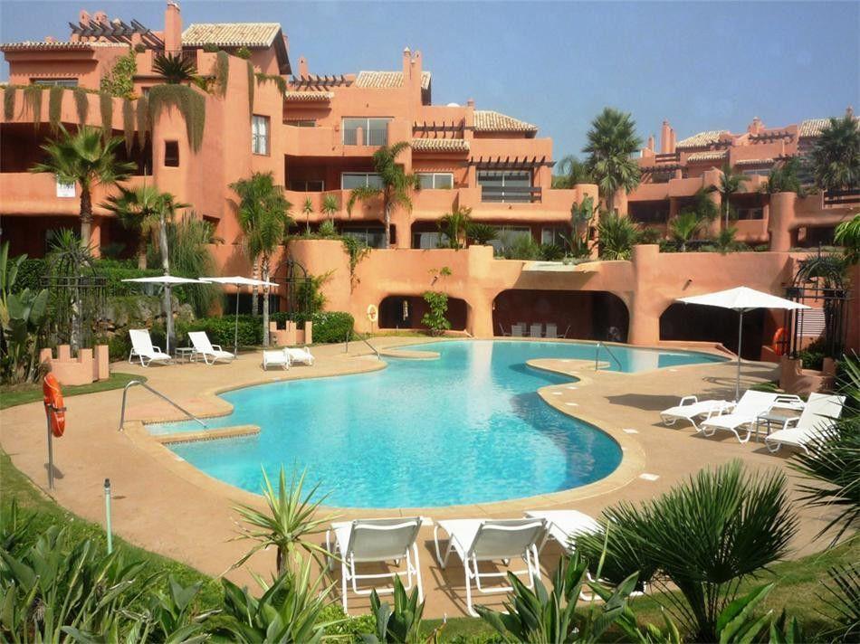 Wohnungen und Penthäuser zu verkaufen in Los Monteros Playa in Marbella