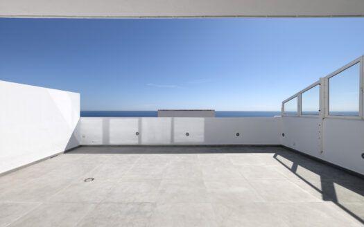 ARFA1433-360 Renoviertes Duplex-Penthouse erste Strandlinie in Guadalobon in Estepona