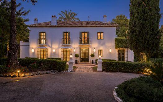 ARFV2192 - Traumhafte Villa mit Panoramablick zum Verkauf in Altos Reales an der Goldenen Meile Marbella