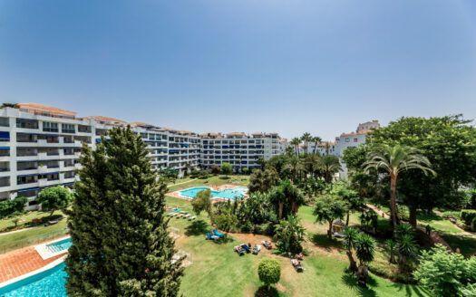 ARFA1440-1 Traumhafte 3 Schlafzimmer Wohnung in Jardines del Puerto in Puerto Banus – Marbella